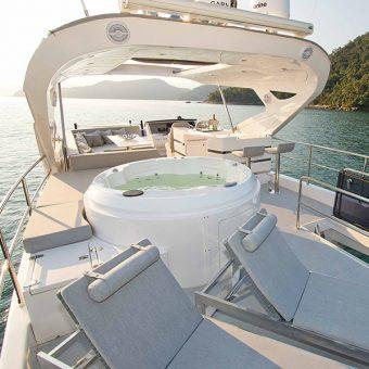 Intermarine o maior iate do SP Boat Show